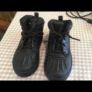 Nike Boys Size 10C Black boots